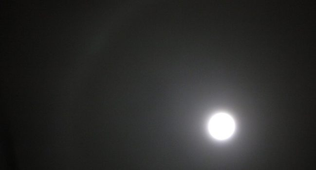 Blue Moonに月暈