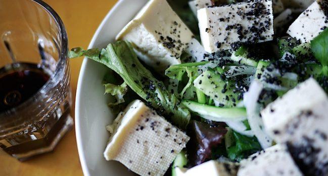 黒ごま豆腐サラダ