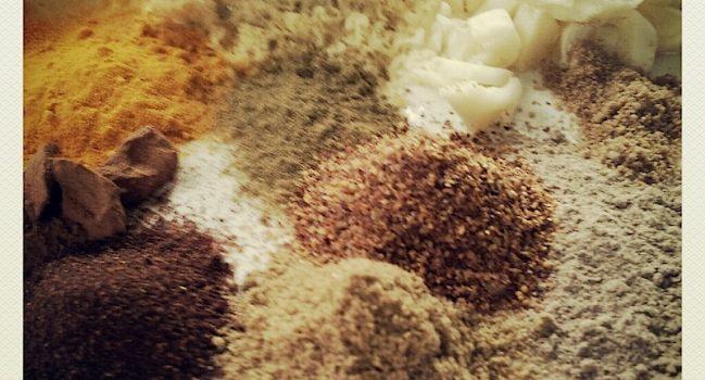 シリーズ・男の適当料理(本格的に適当なバターチキンカレー・インド風を装ったムサコ風)