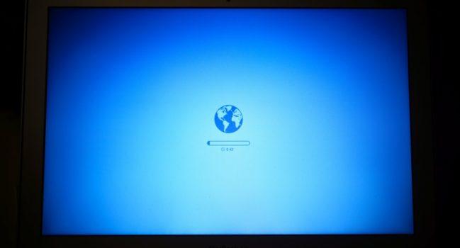 なにこれ怖い(Starting Internet Recovery)