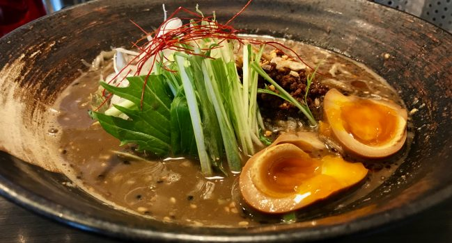 二葉からの香気・四条麺条・学芸大学店の黒胡麻担々麺
