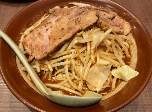 大阪から東京に戻る途中の京都で東横・新潟ラーメンを食べる