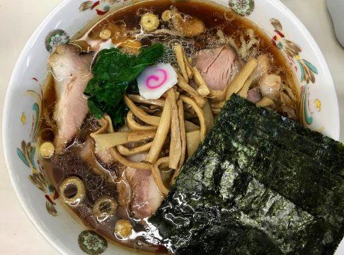 アキバの「新潟・東京 青島ラーメン 生姜醤油ラーメン 青島食堂」でラーメンを食べて柿の種を購入