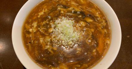 恵比寿の京鼎樓の酸辣麺と肌着