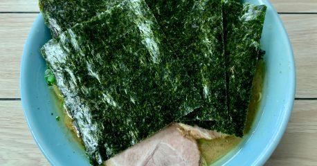 海苔のベールに隠されたらすた麺