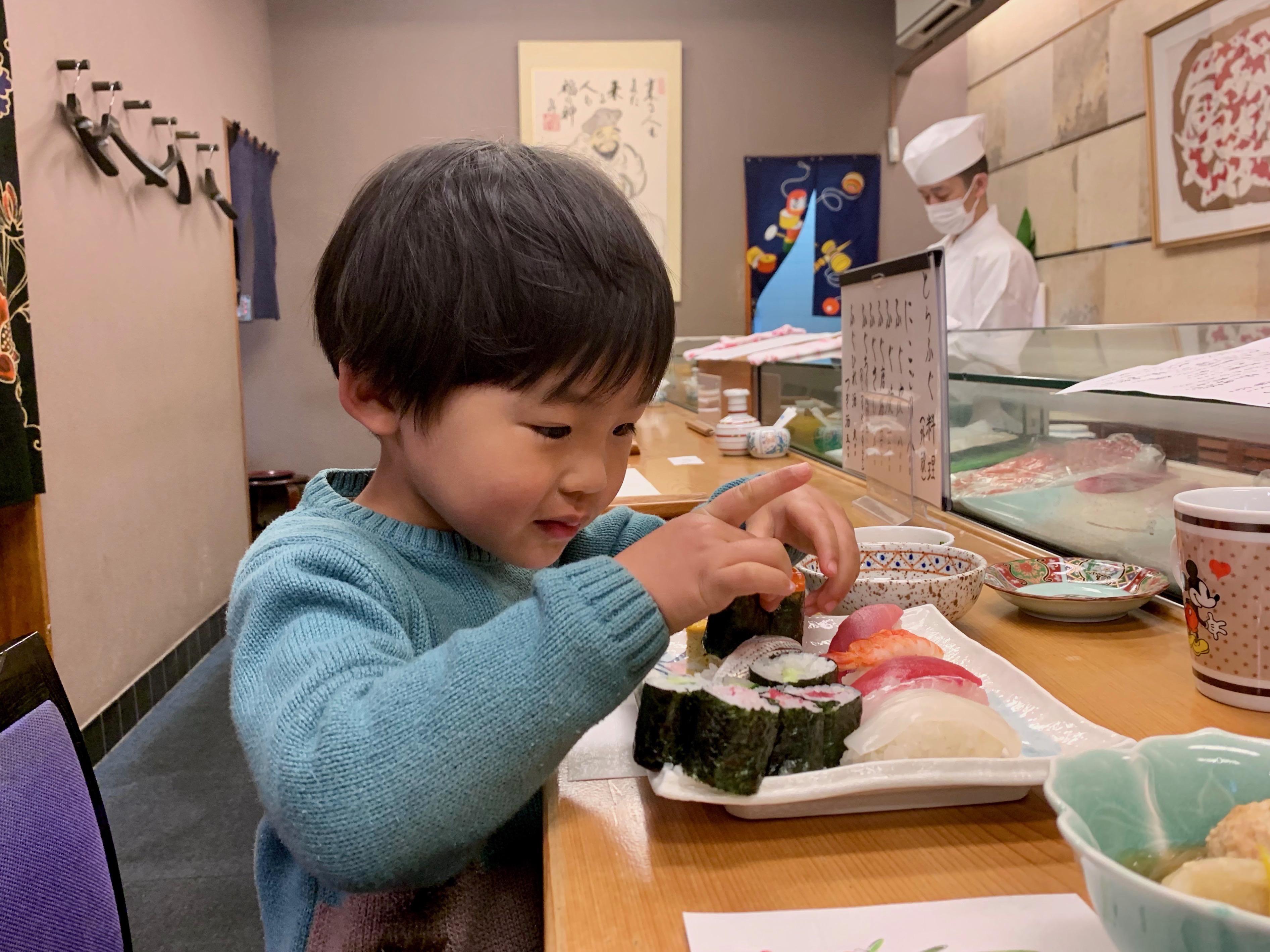 寿司屋のカウンターデビュー