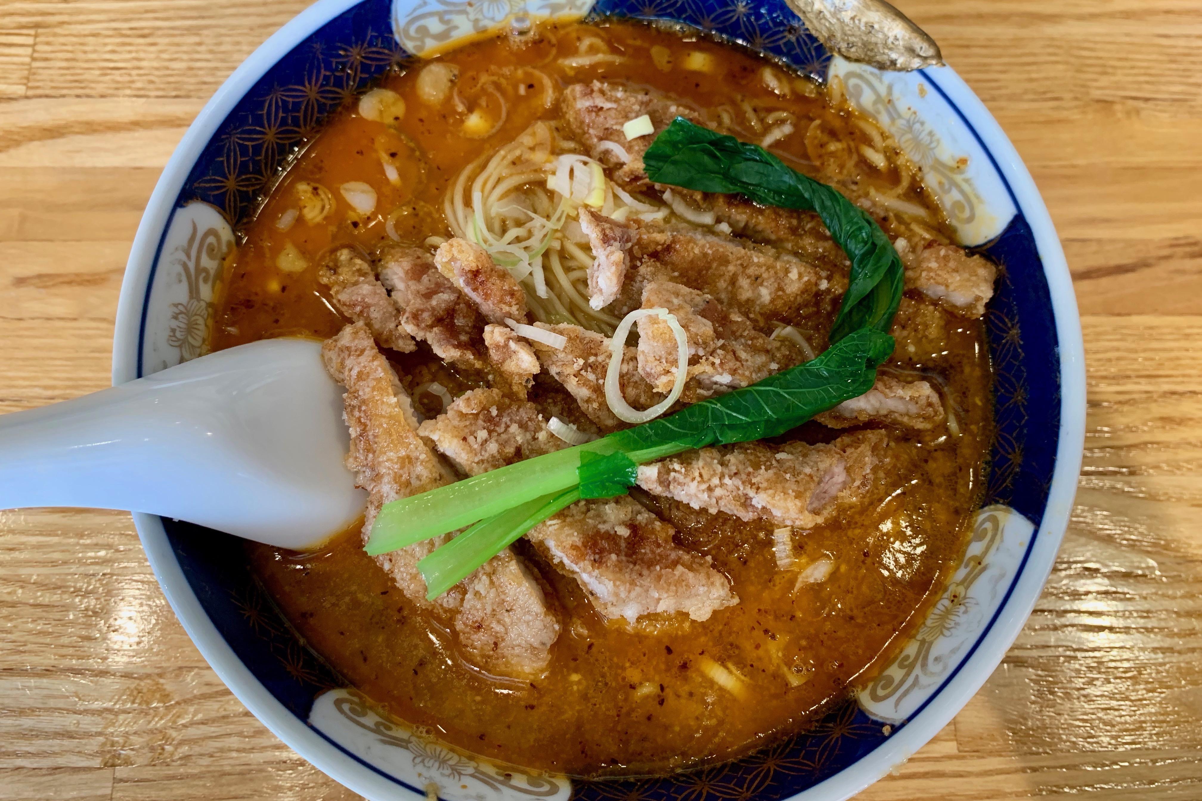 溜池山王のはしごの排骨担担麺(中辛)