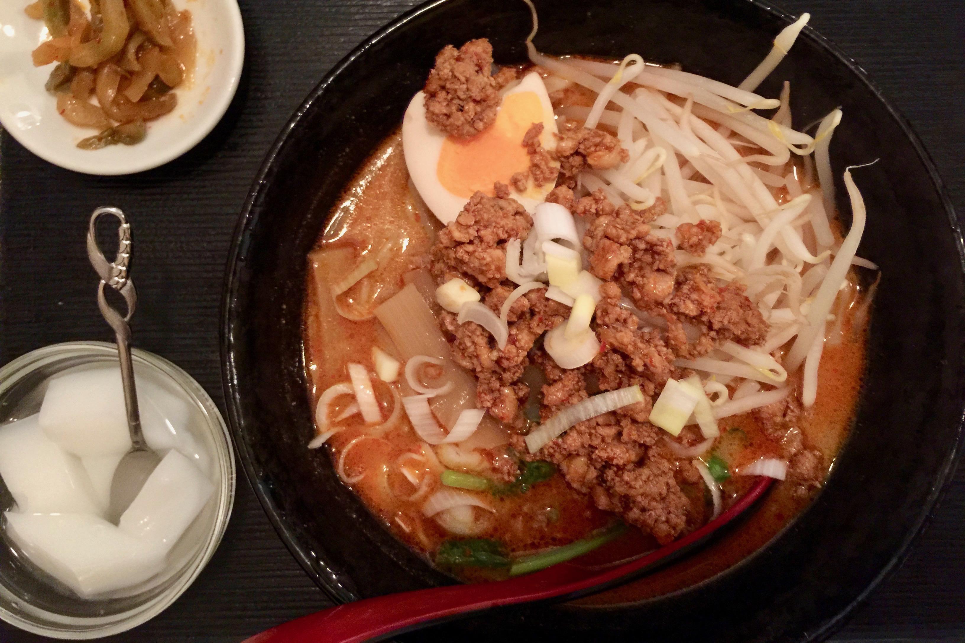 上海酒場代々木西口店の自家製担々麺(梅雨明け)