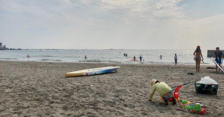 葉山で砂遊び