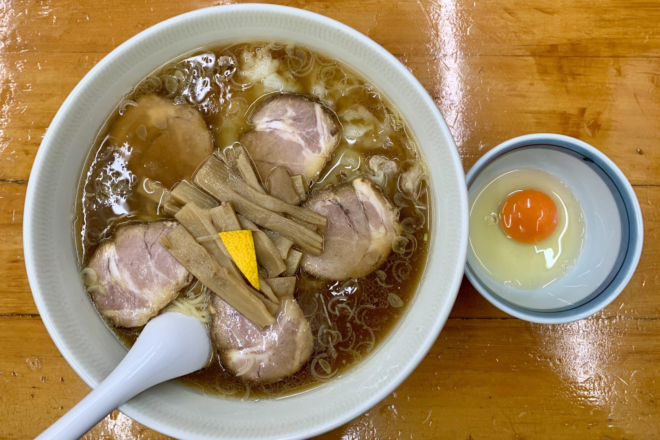 梅ヶ丘の勝やのチャーシューワンタン麺生玉子
